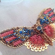 Embroidery fashion haute couture tambour beading 29 ideas for 2019 Tambour Beading, Tambour Embroidery, Couture Embroidery, Embroidery Fashion, Ribbon Embroidery, Beaded Embroidery, Embroidery Patterns, Butterfly Embroidery, Bordados Tambour