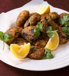 Utopencův salát | Recepty Albert Thing 1, Garam Masala, Ratatouille, Tandoori Chicken, Ethnic Recipes, Food, Pine Tree, Essen, Meals