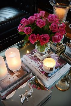 Stylish vignette/coffee table decor. For similar pins please follow me at - https://www.pinterest.com/annelouise1959/vignettes-coffee-table-styling-gallery-walls/