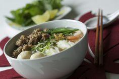 Hủ tíu  --- one kind of vietnamese noodle