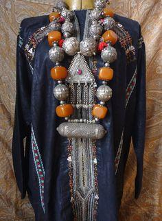 Yemeni dress and jewelry: Tribal Yemen Tamami woman's wedding dress