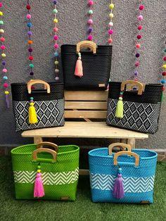 International Tutorial and Ideas Crochet Hobo Bag, Crochet Handbags, Macrame Bag, Wholesale Bags, Craft Bags, Patchwork Bags, Basket Bag, Purses And Bags, Creations