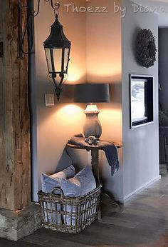Kalkverf wonen landelijke sobere stijl – Mariska Snellen - Health and wellness: What comes naturally Style At Home, Lime Paint, Sober Living, Interior Decorating, Interior Design, Home Bedroom, Rustic Decor, Interior And Exterior, Living Room Designs