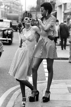 Twiggy, Jane Birkin and more show how true seventies style is done. Seventies Fashion, 60s And 70s Fashion, Retro Fashion, Vintage Fashion, Style Année 60, Style Noir, Looks Style, Style Icons, Retro Mode