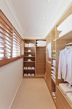Walk In Wardrobe Design, Wardrobe Design Bedroom, Master Bedroom Closet, Bedroom Decor, Small Walk In Wardrobe, Closet Small, Bedroom Storage, Dressing Room Design, Bedroom Wardrobe