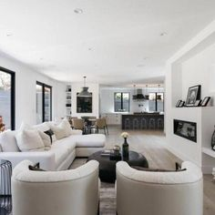 51+ Contemporary minimalist living room decor ideas - All white modern bright living room #MinimalistLivingRoomsDreams