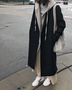 City Girl Coat 1529 Long hoodie 1880 Tshirt Shop the look Fashion Moda, Look Fashion, Hijab Fashion, Korean Fashion, Fashion Outfits, Womens Fashion, Fashion Fall, Fashion Trends, Looks Style
