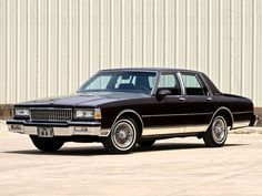 1989 Chevrolet Caprice Brougham Four Door Sedan I had two of these last one was a 1990 Chevy Caprice Classic, Chevrolet Caprice, Classic Chevrolet, Gta, Vintage Cars, Antique Cars, Chevy Impala Ss, Old School Cars, Big Rig Trucks