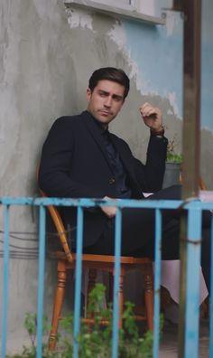 ddf0a01b1bd Caglar Ertugrul as Yagiz Egemen in the Turkish TV series FAZILET HANIM VE  KIZLARI