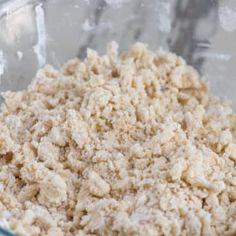 This recipe for crumble topping is the perfect crumble for any pie recipe. You can even make it for muffins or coffee cake! Banana Crumble, Oatmeal Crumble Topping, Apple Crumble Pie, Streusel Topping, Blueberry Crumble, Apple Pies, Crumb Topping For Muffins, Crumb Topping Recipe, Crumble Recipe