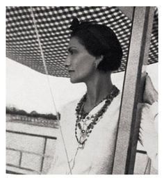 1937 - Coco Chanel in Venise