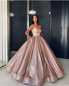 Shop long Quinceanera dresses and gowns at kemedress. Floor-length glamourous ball gowns for Quinceanera parties and courts.Purple, aqua, turquoise, and pink quinceanera dresses. Gold Prom Dresses, Cheap Prom Dresses, 15 Dresses, Elegant Dresses, Cute Dresses, Sexy Dresses, Sweet 16 Dresses Gold, Wedding Dresses, Summer Dresses