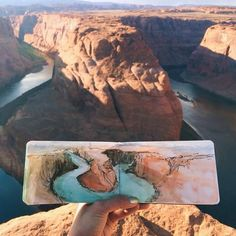 #Art teacher Hannah Jesus Koh paints #watercolor landscapes using water found at her destinations. Pictured: Horseshoe Bend, Arizona. #painting