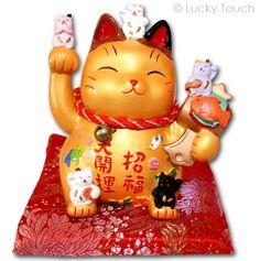 Lucky Cat met veel kittens. Leuke spaarpotten bij Lucky Touch