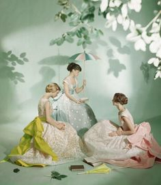 Dressed in Ladurée macaron colours, three models are photographed by Cecil Beaton in 1948.