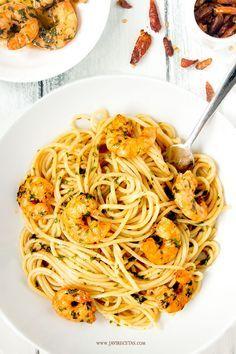 Mañana #receta fácil para empezar la semana. Espaguetis con Gambas al Ajillo!! Riquísimos!!!