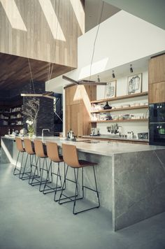If you're considering a kitchen makeover but don't think you have enough space to work with, then this article can be particularly useful to you. We've prepared 10 tips that will make your small kitchen look bigger and more spacious. Home Decor Kitchen, Kitchen Interior, Kitchen Dining, Kitchen Ideas, Kitchen Small, Kitchen Tips, Beautiful Kitchens, Cool Kitchens, Modern Kitchens