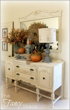 Wow! So pretty- white distressed hall table
