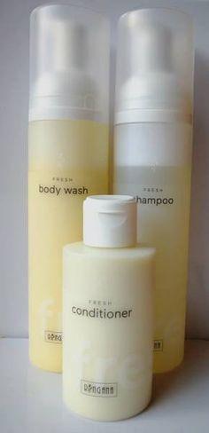 #bodywash #showergel #shampoo #conditioner #haircare #hair #tusfürdö #sampon #kondicionàló #haj #hajápolás #healthy #egészséges #natúr #natural #bio #vegan #újdonság Simple Packaging, Body Wash, Washi, Shampoo, Conditioner, Personal Care, Bottle, Beauty, Nice