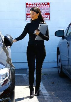 Kourtney Kardashian Photos - The Kardashians Are Spotted at a Van Nuys Studio - Zimbio