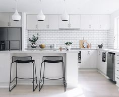Dreamy contemporary Scandi castle - A fabulous look achieved by a combination of modern Australian and Scandinavian styles in Sharon Sunderland's Perth home. Enjoy this relaxed atmosphere of clean whites and neutral tones; lush textiles; natural light and woods.