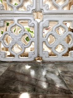 Shadow and light. Great ornaments in Bangkok. Hier geht's zu meiner Home & Interior Seite. Home Interior, Bangkok, Decorative Boxes, Home Decor, Architecture, Decoration Home, Room Decor, Interior Decorating