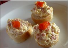 Turistická pomazánka recept - TopRecepty.cz Ham, Mashed Potatoes, Cheesecake, Muffin, Pudding, Treats, Breakfast, Ethnic Recipes, Desserts