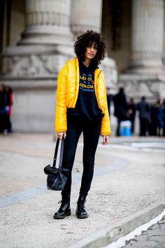 The Best Street Style Looks From Paris Fashion Week Fall 2018 - Fashionista Street Style 2018, Model Street Style, Street Style Trends, Autumn Street Style, Street Style Looks, Street Style Women, Street Styles, Cool Street Fashion, Look Fashion
