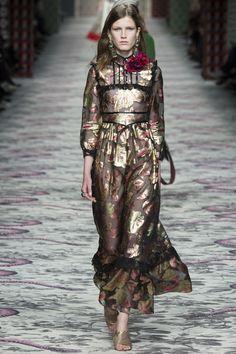 Миланская неделя моды  Gucci весна-лето 2016 (Интернет-журнал ETODAY) Элли f890879431a
