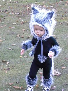 Wolf Costume /I'm so sorry, but I think this kid does it better than you did :)