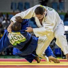 Rafael Silva salva os homens no judô e leva bronze no Rio