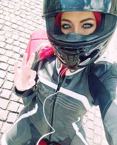 Okay then - portrait - Motorcycle Suit, Motorbike Girl, Girl Bike, Biker Chick, Biker Girl, Baby Bike, Old Bikes, Bike Life, Sport Bikes