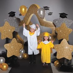 Make your kindergarten and preschool graduates feel like superstars with these unique Sparkle Stars Props. These silver and gold star decorations make a great entrance for any graduation ceremony. Pre K Graduation, Graduation Theme, Graduation Balloons, Kindergarten Graduation, Graduation Decorations, School Decorations, Graduation Pictures, Ceremony Decorations, Balloon Decorations