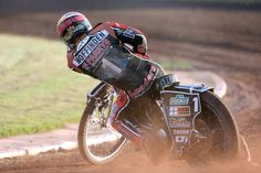 Wolverhampton star Tai Woffinden moved back to the top of the World Championship standings with a second place finish in the British Grand Prix in Cardiff. Speedway Motorcycles, Speedway Racing, British Grand Prix, Mechanical Art, Dirt Racing, Motorcycle Art, Sidecar, World Championship, Sport Bikes