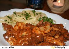 Stroganoff podle dědy šéfkuchaře recept - TopRecepty.cz Chicken Wings, Recipies, Soup, Yummy Food, Beef, Treats, Food And Drink, Baking, Erika