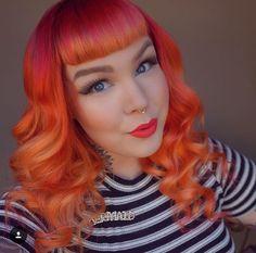 @laurenloveserik Coral Hair, Yellow Hair, Rose Gold Hair, Green Hair, Purple Hair, Funky Hairstyles, Vintage Hairstyles, Fire Hair Color, Moda Pinup