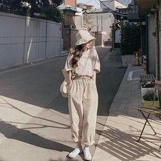 christmas date outfit Korean Girl Fashion, Korean Fashion Trends, Ulzzang Fashion, Korea Fashion, Asian Fashion, Look Fashion, Fashion Outfits, Fashion Fall, Fashion Men