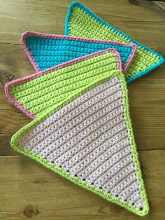 bunting: summer bunting by Kate Eastwood on the LoveCrochet blog