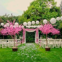 Confetti Promotion: Leaving the city seems like an ideal wedding escape. On Dublin's doorstep, we've got nine gorgeous wedding venues you should check out! Real Weddings, Outdoor Weddings, Confetti, Wedding Venues, Wedding Planning, Wedding Decorations, Amazing, Outdoor Decor, Inspiration
