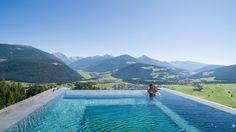 Alpin Panorama Hotel HubertusA scenic wellness hotel in South Tyrol, Hubertus is surrounded by the majestic peaks of the Dolomites. Infinity Pools, Rafting, Beautiful Places To Visit, Places To See, Agua Natural, Sky Pool, Beach Pool, Air Hotel, Diving
