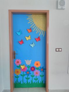 Thinking about Spring Classroom decorations or Easter decorations for Classroom? Take quick clues from this Easter and Spring Classroom Door Decorations. Classroom Door, Preschool Classroom, Preschool Crafts, Preschool Door Decorations, School Decorations, Kindergarten Door, School Doors, Spring Door, Class Decoration