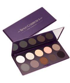 Elegantissimi eyeshadow palette Ten professional eye shadows in neutral, versatile colours, all in a customisable palette. 26,80 €