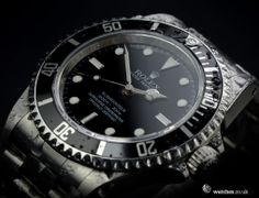 Rolex Submariner Non Date (Chronometer Dial) Watch - 14060M.  We buy and sell Rolex Submariner watches. Contact Us - www.watches.co.uk