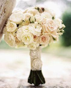 12 Stunning Wedding Bouquets - 29th Edition | bellethemagazine.com