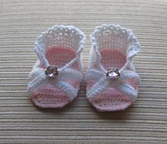 free baby crocheted sandals pattern | Crochet Pattern Sandals for a Baby Girl in Size 3-6 months:
