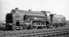 Southern Railway Schools class No 519 'Brighton' BR 30915 Steam School, Southern Trains, Steam Railway, Southern Railways, Old Trains, British Rail, Electric Train, Train Pictures, Great Western