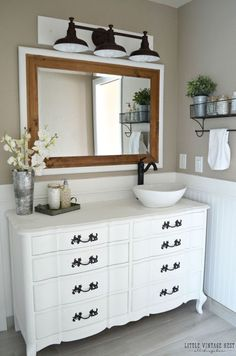 5 Brilliant Design Ideas to Steal From This Farmhouse Bathroom Renovation