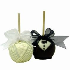 Cake pop wedding favors