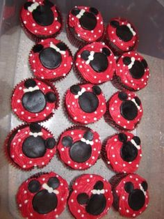 My take on the Minnie Mouse cupcakes. Too much time and fondant issues but they came out pretty good. Usually I love to bake. I think I need to stick with cakes, not cupcakes if I'm doing detailed decorating... Lily loved them though!