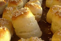 Babette: Vajas pogácsa Croatian Recipes, Hungarian Recipes, Pastry Recipes, Baking Recipes, Savory Pastry, European Cuisine, Bread And Pastries, Winter Food, Food And Drink